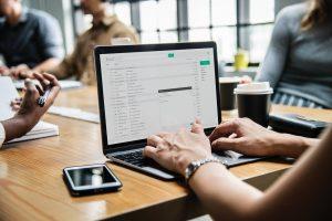 Lee más sobre el artículo Registro horario de trabajadores y protección de datos